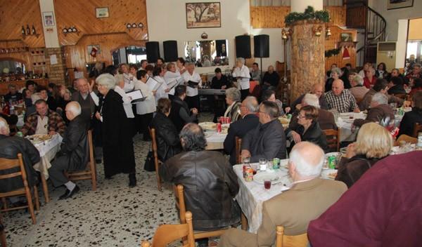 γεύμα αγάπης, κοινωνική υπηρεσία, δήμος Φυλής, ΚΑΠΗ, ηλικιωμένοι, Τζένη Μπάρα, αναπληρώτρια δήμαρχος