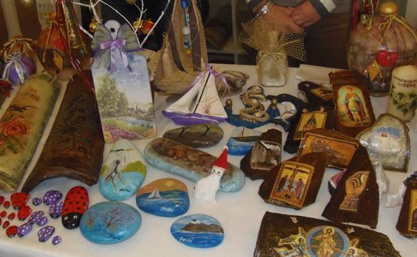 χριστουγεννιάτικο, bazaar, παζάρι, ΑΡΩΓΗ, σωματείο, κέντρο, ατόμων, ειδικές ανάγκες, Αχαρνές, Εύη Χριστοφιλοπούλου, Αναστάσιος Χίος