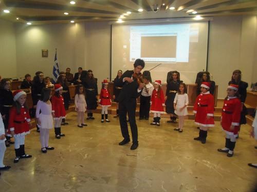χριστουγεννιάτικη γιορτή, ΚΕΔΗΦ, Κοινωφελής Επιχείρηση δήμου Φυλης, χοροθέατρο ΑΜΥΝΑ, το κοριτσάκι με τα σπίρτα, δημαρχείο Φυλής