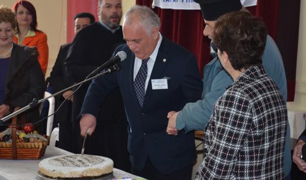 κοπή πίτας, ελληνική αντικαρκινική εταιρία, παράρτημα Αχαρνών, Παναγιώτης Καζανάς, πρόεδρος