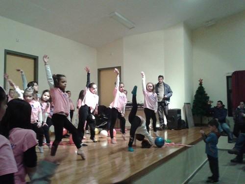 πρωτοβουλία αλληλεγγύης πολιτών Φυλής, πρωτοχρονιάτικη γιορτή, παιδιά,