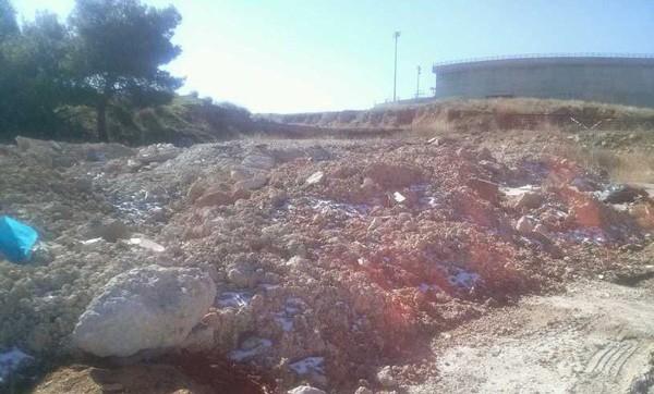 μπάζα, σκουπίδια, δημοτικό στάδιο Φυλής, δημοτική ενότητα Φυλής