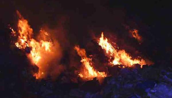 φωτιά, απορρίμματα