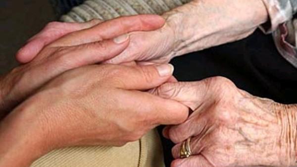 βοήθεια, ηλικιωμένοι, τρίτη ηλικία