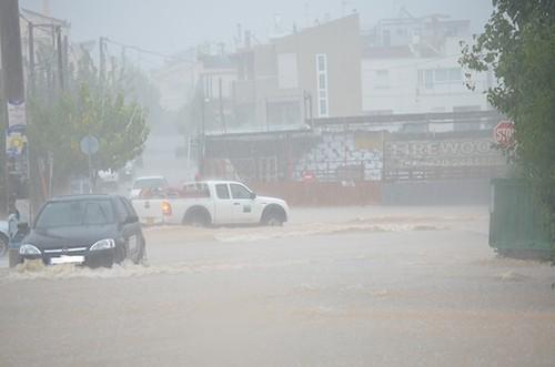 πλημμύρες, Άνω Λιόσια, κακοκαιρία, νεροποντή, ισχυρή βροχόπτωση, δήμος Φυλής