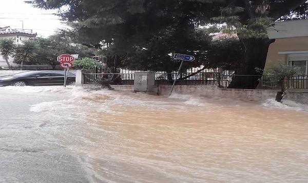 βροχή Αχαρνές
