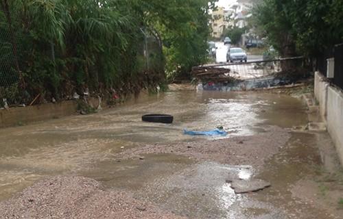 πλημμύρες, Αχαρνές, εγκλωβισμένοι οδηγοί, πυροσβεστική υπηρεσία