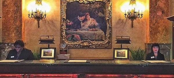 στοιχειωμένα ξενοδοχεία, κόσμος, Vanity Fair
