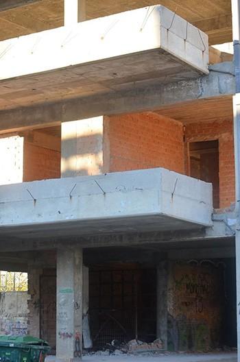 4ο γυμνάσιο, 'Ανω Λιοσίων, Ζωφριά, οικοδομή, κίνδυνος
