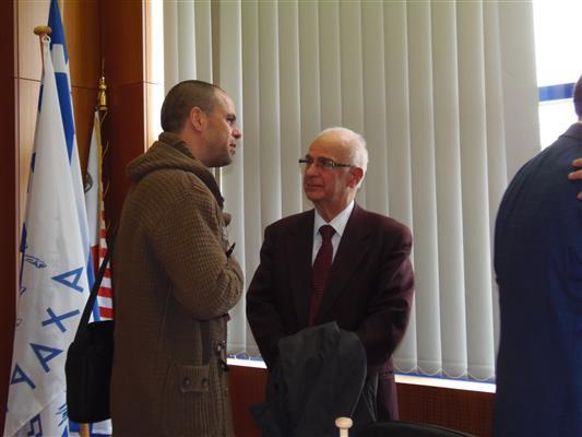 Ό υπ.βουλευτής με την Ένωση Κεντρώων Αλέξανδρός Ανδριώτης με τον καθηγητή αρχαιολογίας Βασίλη Λαμπρινουδάκη