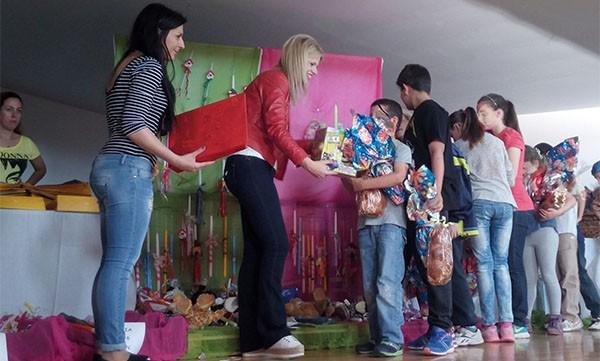 Κοινωνικό Παντοπωλείο Ιλίου, πασχαλινή γιορτή, ωφελούμενοι, δήμος Ιλίου