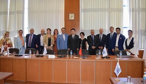κινεζος πρεσβης, Αχαρνες, δημος Αχαρνων, επισκεψη