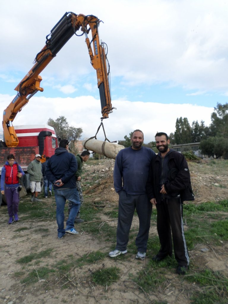 Από την διαδικασία της παραλαβής και φόρτωσης παρουσία της Β΄ Εφορίας Αρχαιοτήτων , όπου ανήκει ο Δήμος μας.