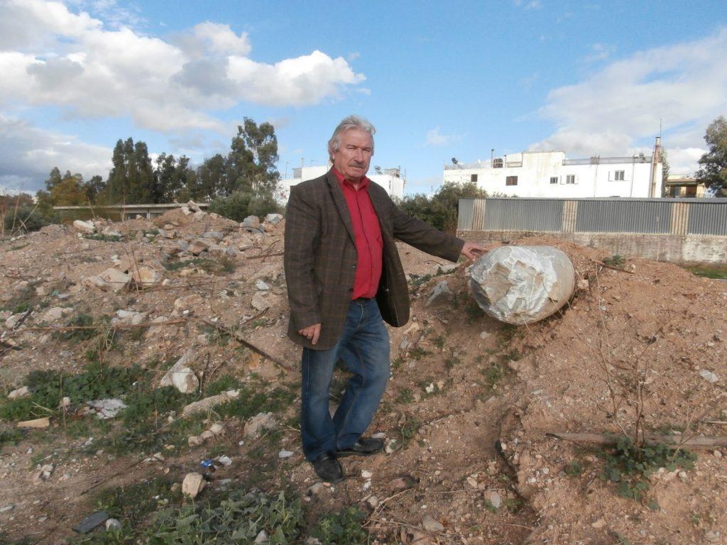 Αναμνηστική φωτό του δημοσιογράφου Γιώργου Νιώρα που συμμετείχε στην ενημέρωση των Αρχαιολόγων.