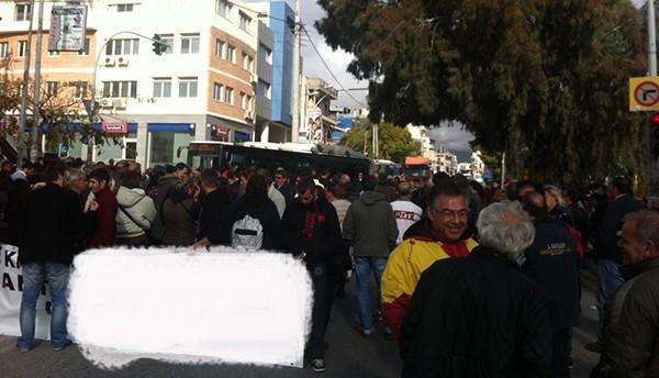 συγκέντρωση, διαμαρτυρία, αστυνομικό τμήμα, Καματερό, δήμος Αγίων Αναργύρων-Καματερού