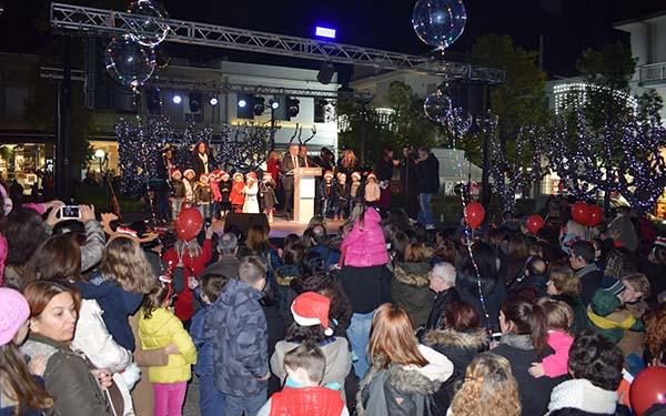 δήμος Ιλίου, χριστουγεννιάτικο δέντρο