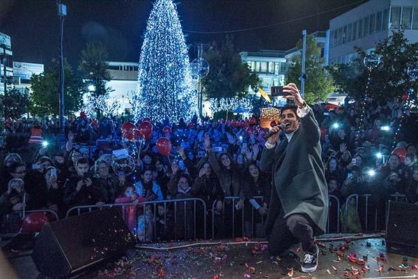 δήμος Ιλίου, χριστουγεννιάτικο δέντρο, Κώστας Μαρτάκης