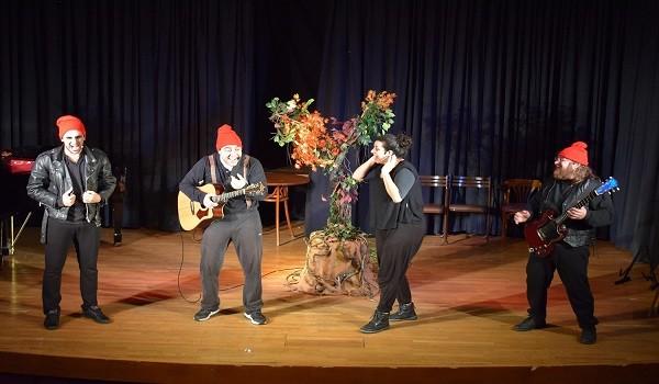 Χριστουγεννιάτικη παράσταση για τα παιδιά του Κοινωνικού Παντοπωλείου του Δήμου Ιλίου