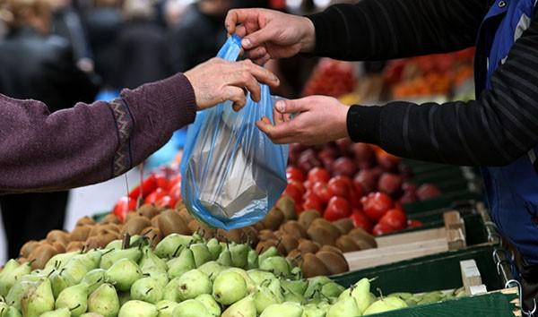 Από τους δήμους πλέον οι άδειες παραγωγών και πωλητών υπαίθριου εμπορίου