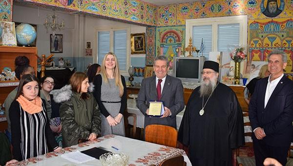 Ορφανοτροφείο Αγία Τριάδα, Νίκος Ζενέτος, δήμαρχος Ιλίου