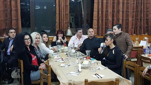 Ζεστασιά και οικειότητα στη κοπή πίτας από την ακαδημία Θρασύβουλου Φυλής