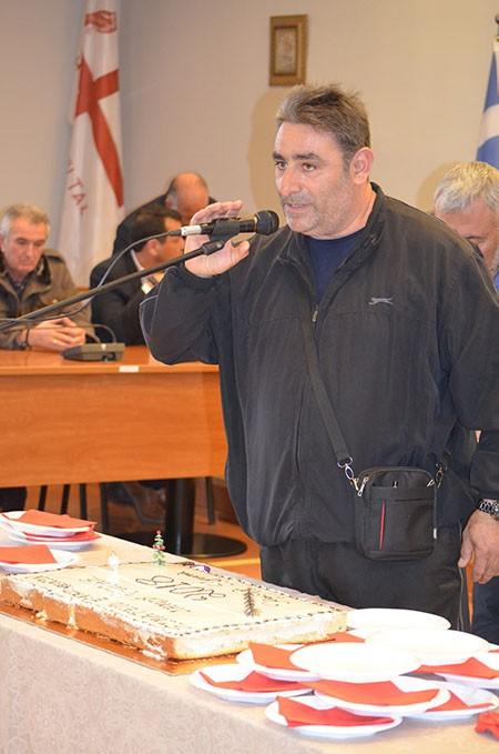 Ευχές και εργασιακά θέματα στην κοπή πίτας των εργαζομένων δήμου Φυλής