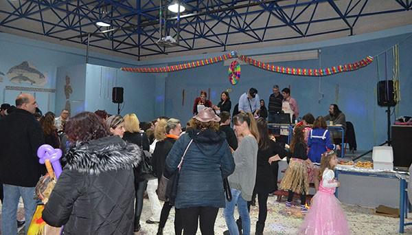 Κέφι, χορός και εκπλήξεις στο αποκριάτικο πάρτι που οργάνωσε ο σύλλογος γονέων 10ου δημοτικού Άνω Λιοσίων