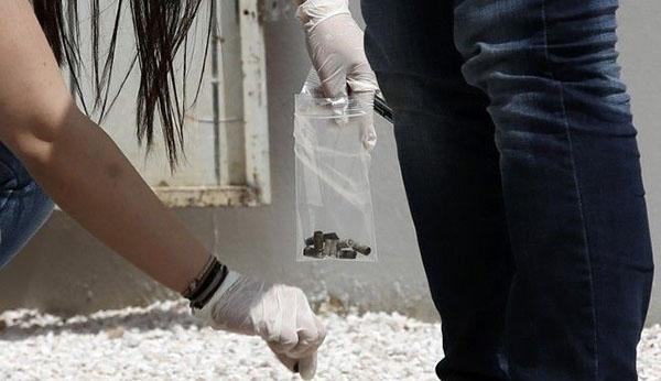 Σοκ στις Αχαρνές από αδέσποτη σφαίρα που παραλίγο να καρφωθεί σε 6χρονο κοριτσάκι