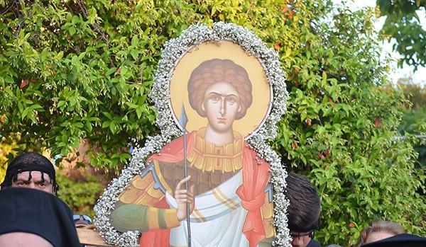 Λαμπρότητα και πλήθος πιστών στον εορτασμό του Αγίου Γεωργίου στη Ζωφριά