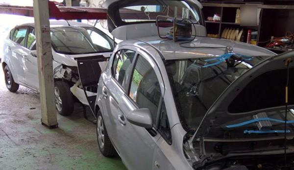 Έκλεβαν αυτοκίνητα, τα αποσυναρμολογούσαν σε χώρο στα Άνω Λιόσια και πουλούσαν τα ανταλλακτικά (φωτό)