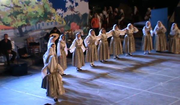 """""""Διήμερο Αφιέρωμα στην Παράδοση"""", θέατρο Πέτρας, δήμος Πετρούπολης"""