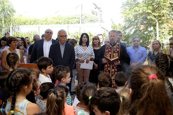 5ο νηπιαγωγείο Αγίων Αναργύρων, ΕΠΑΛ Αγίων Αναργύρων, Κώστας Γαβρόγλου, υπουργός Παιδείας, αγιασμός