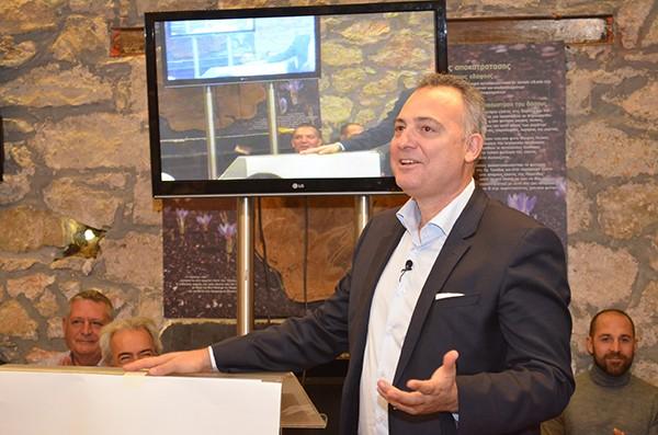 Στην κορυφή της Πάρνηθας ανακοίνωσε ο Χάρης Δαμάσκος την υποψηφιότητά του για τη δημαρχία των Αχαρνών