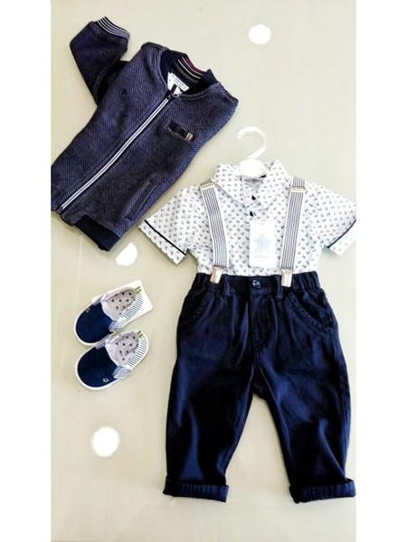 9ebce869dca Ρούχα φτιαγμένα να αντέχουν στα… δύσκολα της παιδικής καθημερινότητας που  δε φθείρονται εύκολα, δε «τρίβονται», δεν τα αλλάζεις κάθε λίγο και λιγάκι.