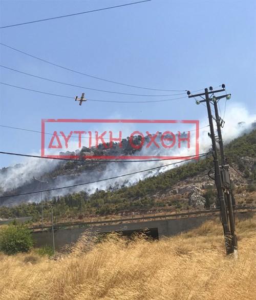 Σε εξέλιξη μεγάλη πυρκαγιά στην περιφερειακή Αιγάλεω δίπλα από λεωφόρο ΝΑΤΟ