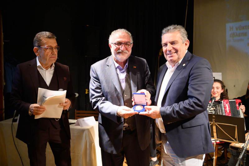 """Η πορεία και το έργο του Κούρδου δημοσιογράφου και συγγραφέα Τζεμίλ Τουράν Μπαζιντί ξεδιπλώθηκαν στην εκδήλωση που διοργάνωσαν ο Δήμος Ιλίου και ο Μορφωτικός Πολιτιστικός Σύλλογος Μεσσηνίων Ιλίου """"Η Αρχαία Μεσσήνη"""""""