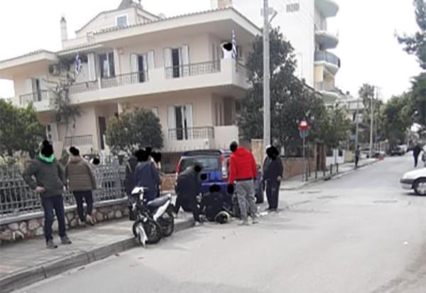 Τροχαίο με τραυματισμό δυο νεαρών παιδιών στο Ίλιον