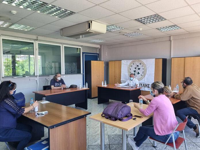 Σε ετοιμότητα για τις πανελλαδικές εξετάσεις ο Δήμος Φυλής. Σύσκεψη Χατζητρακόσια με διευθυντές