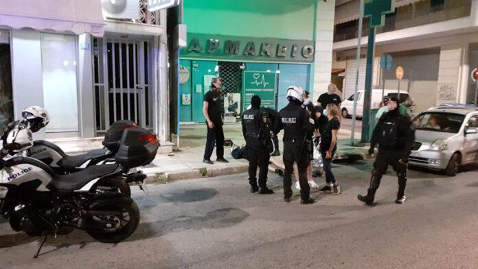 Άγρια επίθεση από οπαδούς με δέχθηκε άνδρας στο Ίλιον